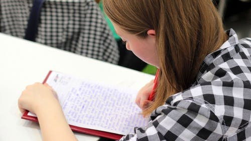 Five-paragraph essays should no longer be the standard for students, but rather a stepping stone into more complex composition. – Photo by Pxhere.com