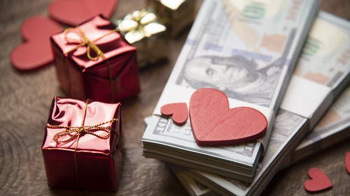Valentine's Day is great for showing love for family, friends or partners, but people should not feel obligated to spend large sums of money on stuffed animals, chocolate and other gifts.  – Photo by Paradigmmoney.com