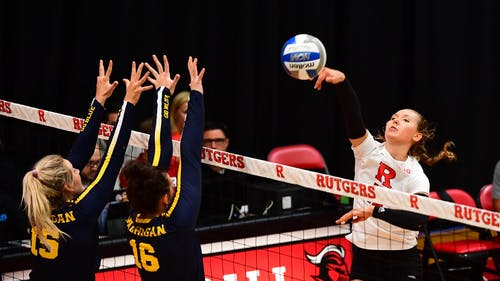 Senior right-side hitter Kamila Cieslik ended the series with 14 kills. – Photo by Scarletknights.com