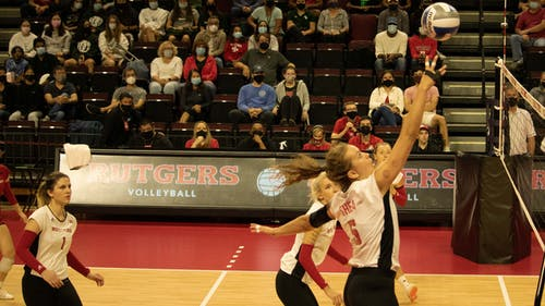Fifth-year right side hitter Beka Kojadinovic, fifth-year senior middle blocker Shealyn McNamara and the Rutgers volleyball team lost their first two matches in Big Ten play, falling to Penn State and Wisconsin over the weekend. – Photo by Olivia Thiel