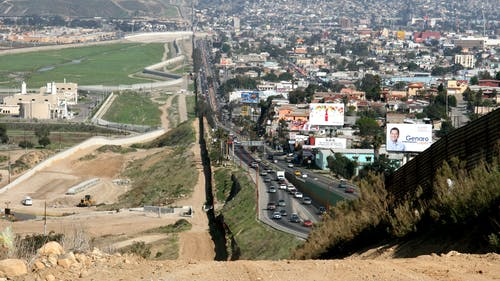 The history of the border between the United States and Mexico is one of the topics that will be covered in the course, as well as find solutions based on research for current immigration issues. – Photo by Wikimedia