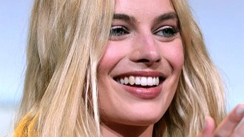 Margot Robbie is a well-known Hollywood actress. According to many, even Robbie's fans, her recent style has been lack-luster. – Photo by Wikimedia