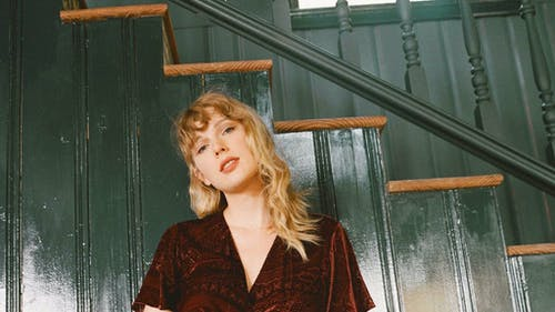 """Taylor Swift opens up about the recording process of her latest album, """"folklore,"""" and her personal life in her new documentary, """"folklore: the long pond studio sessions."""" The film became available for streaming on Disney+ as of Nov. 25. – Photo by Taylor Swift / Twitter"""